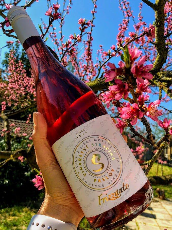 6 × Zweigeltrebe rosé FRIZZANTE - STARÁ HORA 2020, zemské víno - perlivé, Vinařství Luboš Strapina, polosladké