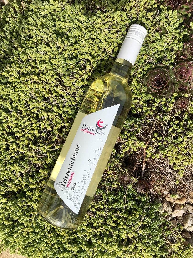6 × Frizzanté blanc 2020, zemské víno - perlivé, Vinařství Baraque, polosladké